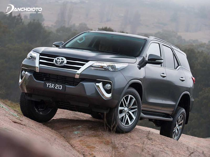 so-sanh-toyota-fortuner-va-ford-everest-cu